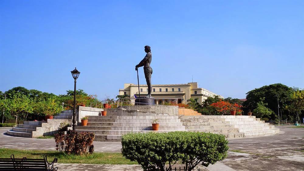 Công viên Rizal và nhiều khu vườn điển hình của các nước Châu Á như: Nhật Bàn, Trung Quốc,...