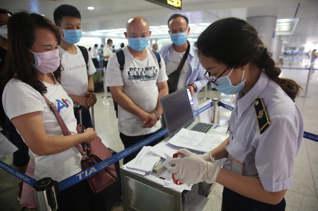 Việt Nam dừng cấp thị thực cho người nước ngoài từ 18/03
