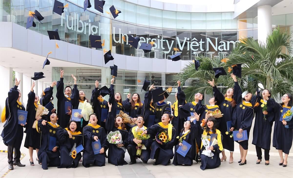 Học bổng này sẽ mang đến cho bạn 5 lựa chọn với những ngôi trường đại học nổi bậc.